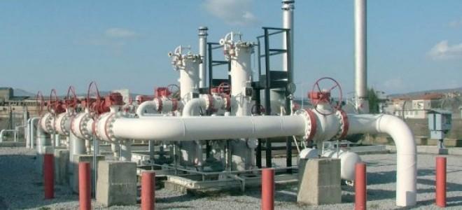 Yatsenyuk : Rusya, Avrupa'ya gaz akışını durdurmayı planlıyor