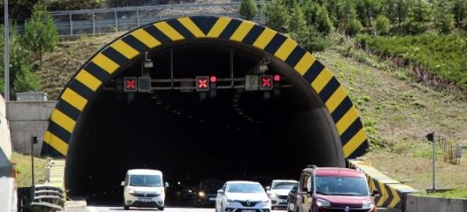 Bayramda Bolu Dağı Tüneli'nden 620 bin araç geçti