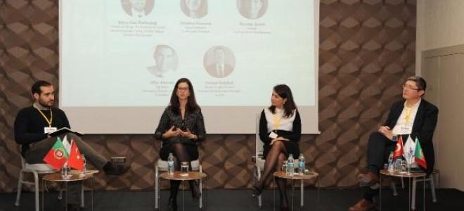 """Global Shapers İstanbul panelinde, """"Lizbon'dan İstanbul'a İnovasyon Köprüleri"""" Konuşuldu"""