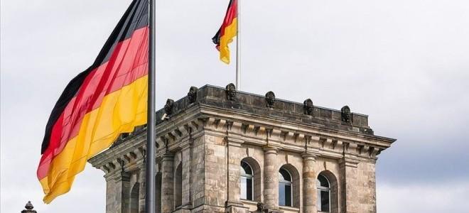 Alman ekonomisi, ilk çeyrekte beklentilerin üzerinde küçüldü