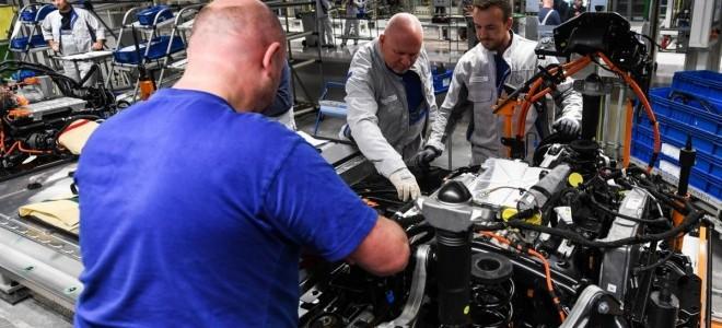 Almanya'da sanayi üretimi martta yüzde 2,5 arttı