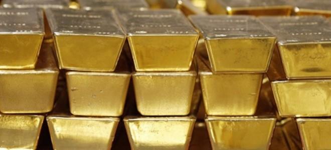 Altın düştü, petrol yüzde 1.0'den çok yükseldi