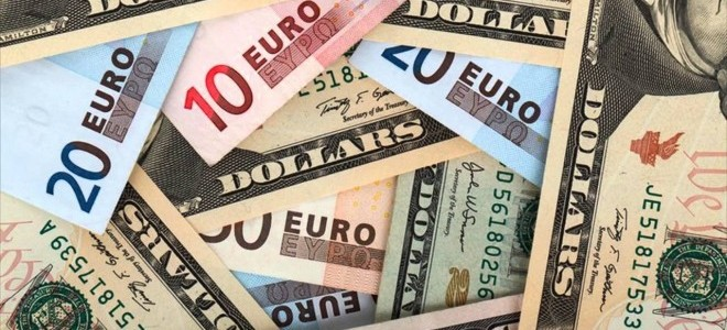 Avrupa'da Büyümeyle Yükselen Euro Doları Frenledi