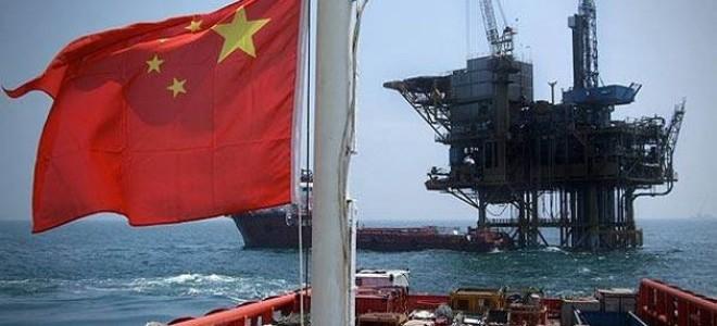 Çin petrol ithalatında artık dolar kullanmayacak