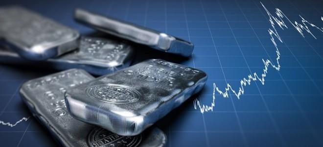 Emtia yatırımcısı 2020'de gümüşle kazandı