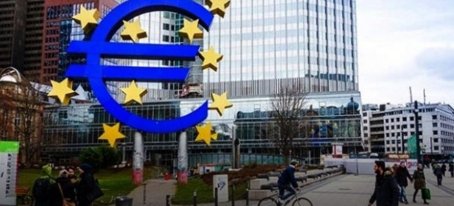 Euro Bölgesi ticaret fazlası Aralık'ta 17 milyar euro oldu