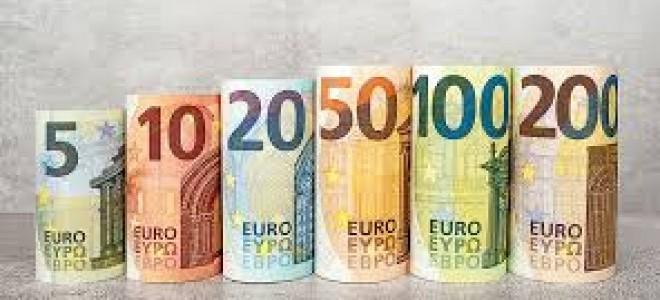 Euro, dolar karşısında 21 ayın en düşüğünde