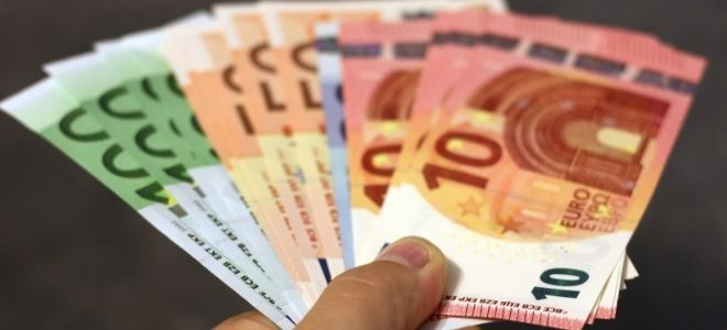 Euro güne 8,17 lira seviyesinde başladı