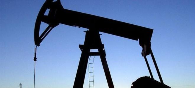 IEA, küresel petrol talebindeki artış öngörüsünü yukarı yönlü revize etti