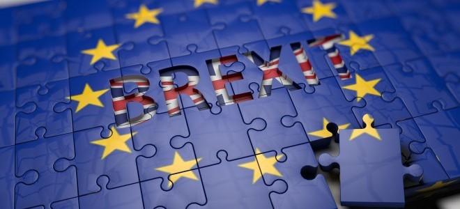 May'den Brexit belgesi için milletvekillerine inceleme süresi