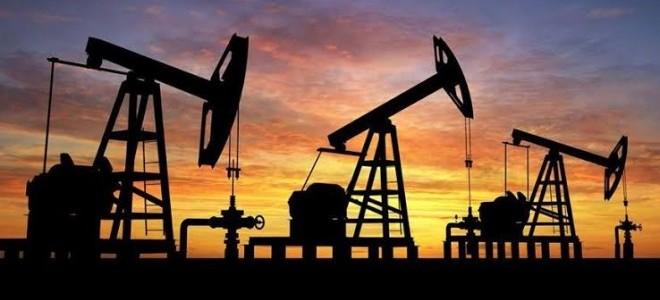 Petrol 2002'den beri ilk kez 25 doların altına düştü