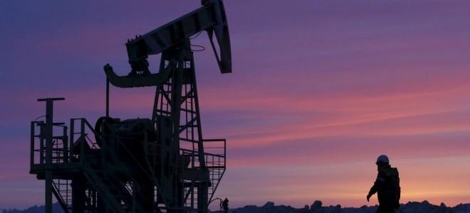 Petrol fiyatları talebin azalacağı endişeleriyle düştü