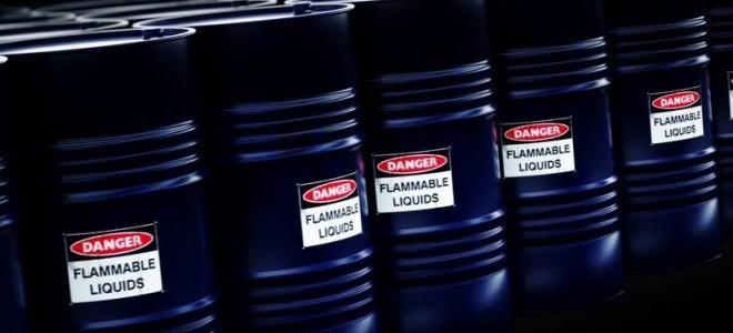 Petrol fiyatları yeni ek gümrük vergileri etkisiyle karışık