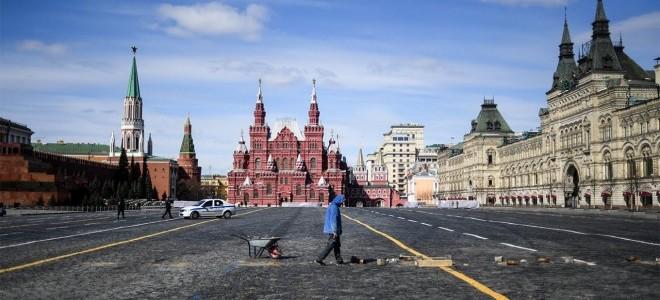 """Rusya ekonomi ve ticaretteki şoklara karşı """"dolarsızlaşma kalkanı"""" kuruyor"""