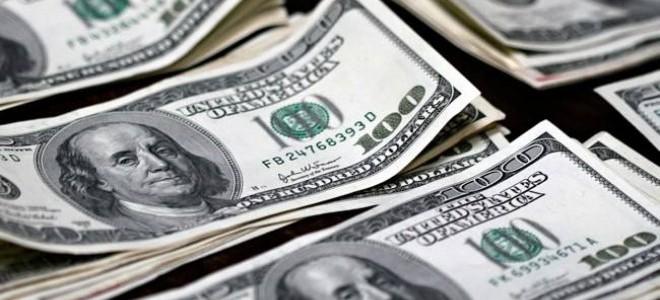 S&P'nin Not İndirimi Sonrası Dolar Yükseldi