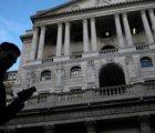 İngiltere'de artan enflasyona karşı İngiltere Merkez Bankası'nın atabileceği adımlar tartışılıyor